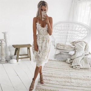 NEVER WORN CASUAL LACE DRESS